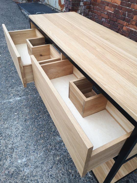 meble łazienkowe, drewno w łazience, meble łazienkowe z drewna, drewniane meble w łazience, stół, biurko, stół konferencyjny, loft, meble loftowe, meble industrialne, industrial, stół rozkładany, system rozkładany, prowadnice, meble loftowe, meble industrialne, stolarz, stolarstwo Wrocław, rzemiosło, rzemieślnik, stoły rozkładane, stół rozkładany, meble drewniane, meble z drewna, meble z litego drewna, meble dębowe